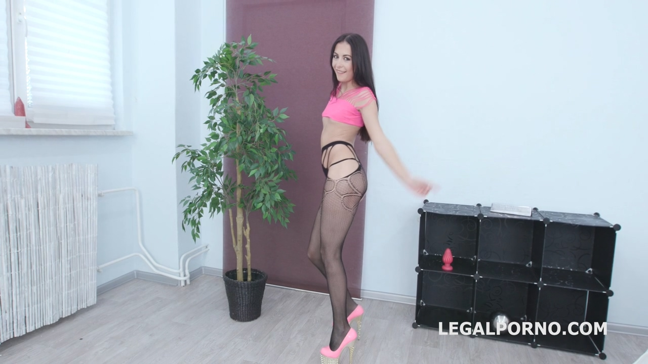 dap_destination_roxy_del_first_time_dap_with_balls_deep_anal_gapes_destroyed_ass_and_facial_gio1168_mp4_20191002_094021_510.jpg