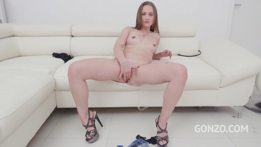 legalporno_18_years_old_bella_manning_assfucked_dped_in_her_first_porn_scene_mp4_20200107_100654_027.jpg