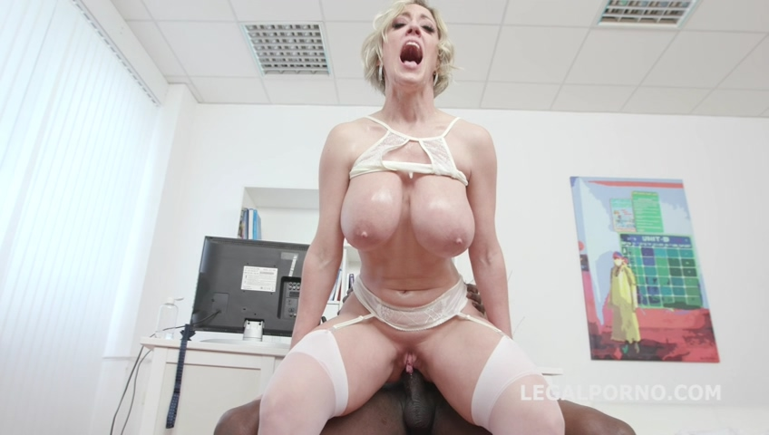 legalporno_psycho_doctor_anal_sex_therapy_with_dee_williams_1_balls_deep_anal_mp4_20190722_135501_237.jpg