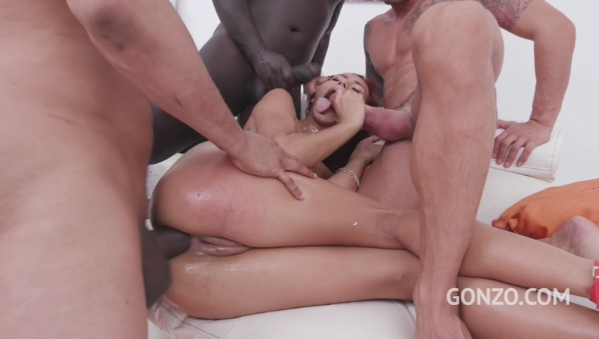 legalporno_veronica_leal_insane_fuck_session_with_oil_pushing_non_stop_squirting_balls_deep_dp_mp4_20190924_111151_155.jpg