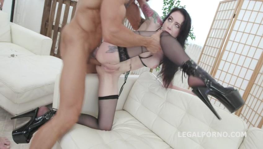 legalporno_7on1_pissing_gangbang_with_anna_de_ville_balls_deep_anal_dap_lots_of_pee_mp4_20190723_140508_333.jpg