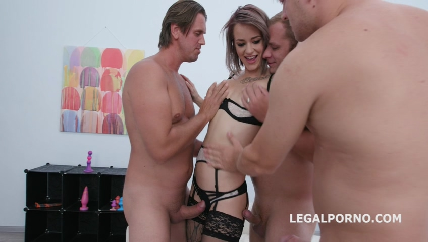 legalporno_fucking_wet_beer_festival_with_sammie_six_4on1_balls_deep_anal_and_dap_mp4_20191119_140513_722_1.jpg