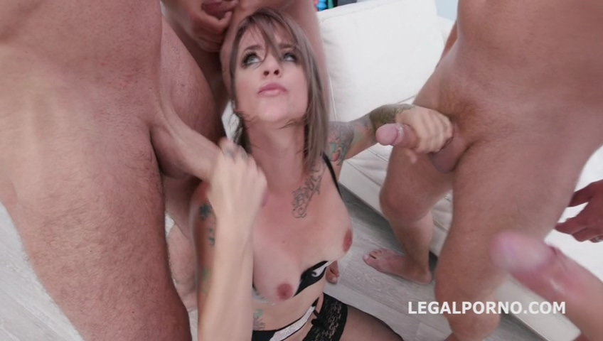legalporno_fucking_wet_beer_festival_with_sammie_six_4on1_balls_deep_anal_and_dap_mp4_20191119_140529_570_1.jpg