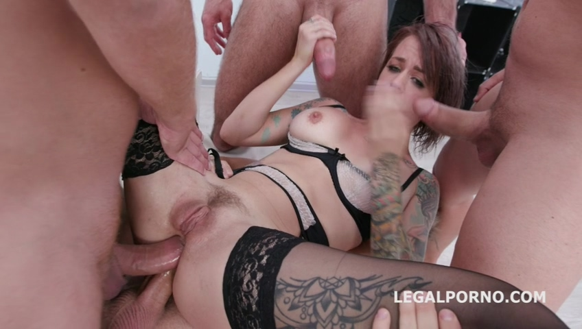 legalporno_fucking_wet_beer_festival_with_sammie_six_4on1_balls_deep_anal_and_dap_mp4_20191119_143147_544_1.jpg