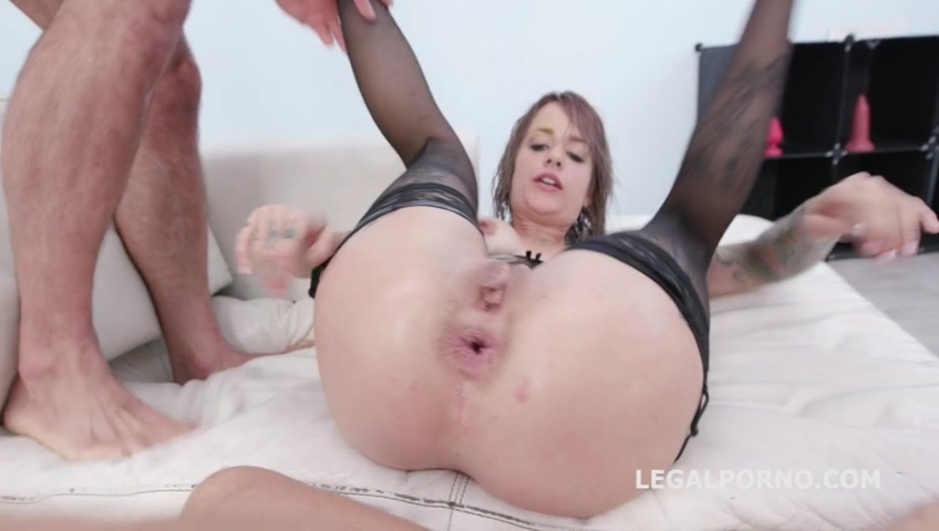 legalporno_fucking_wet_beer_festival_with_sammie_six_4on1_balls_deep_anal_and_dap_mp4_20191119_143746_414.jpg