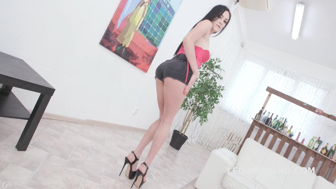 legalporno_kiara_gold_gio1346_01_23_20_mp4_20200212_140246_965.jpg