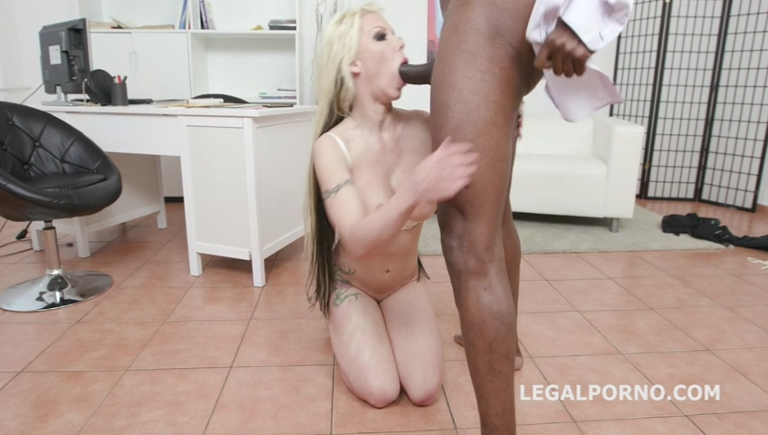 legalporno_psycho_doctor_1_barbie_sins_coffee_break_with_balls_deep_anal_squirt_gapes_rose_mp4_20190708_104015_649.jpg