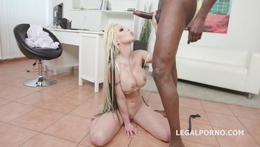 legalporno_psycho_doctor_1_barbie_sins_coffee_break_with_balls_deep_anal_squirt_gapes_rose_mp4_20190708_104021_984.jpg