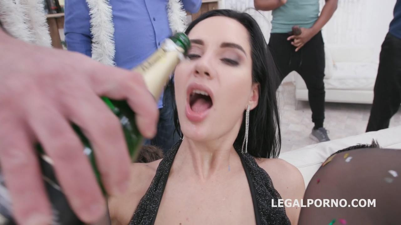 new_year_peeve_2019_1_megan_venturi_elen_million_wet_party_with_pee_drink_balls_deep_anal_dap_gio1315_mp4_20200131_103538_090.jpg