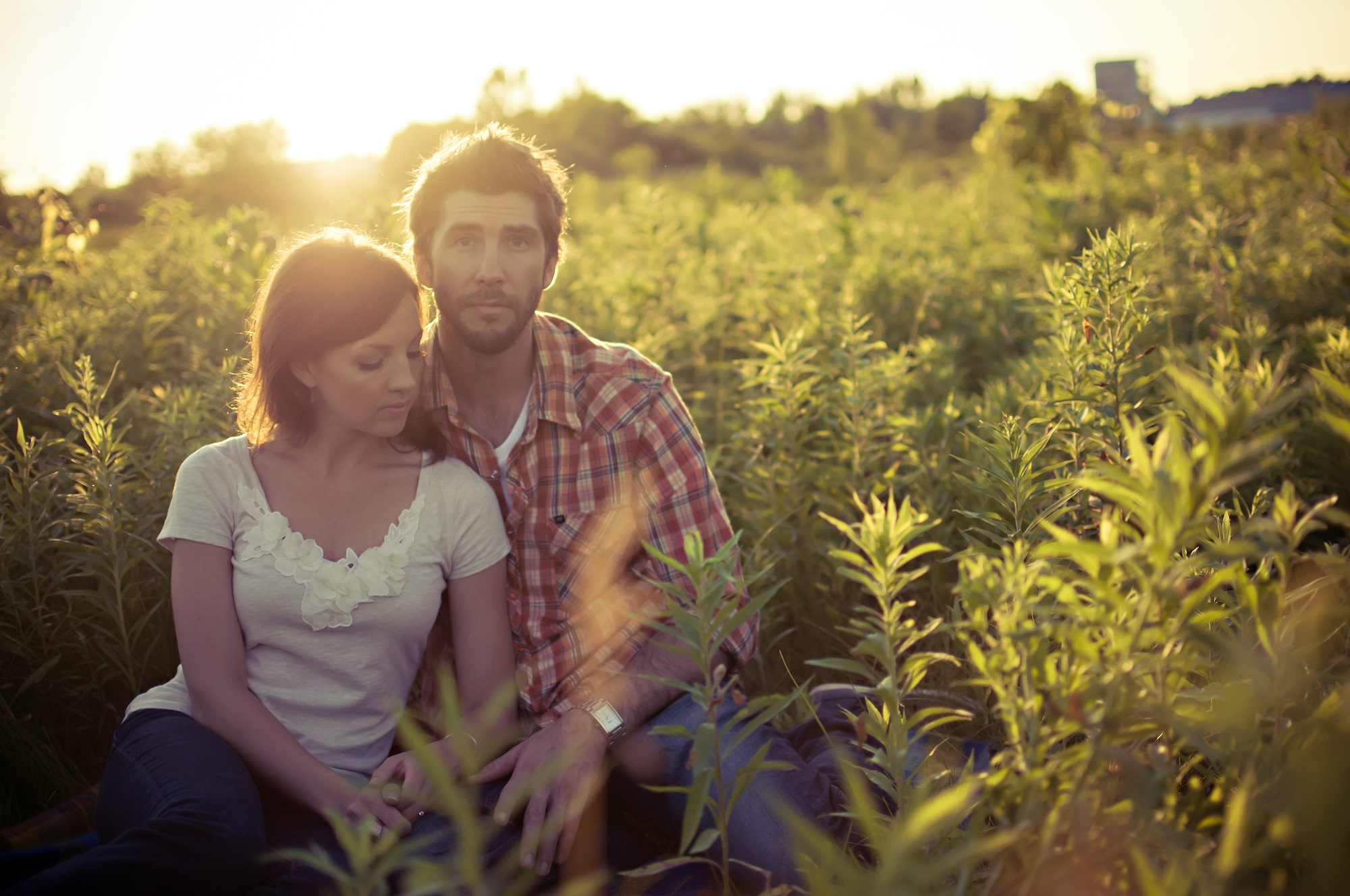 scott_webb_pexels_blur-couple-field-golden-hour.jpg
