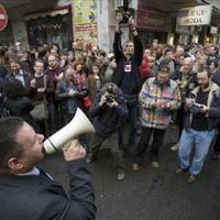 Bebukott náci flashmob
