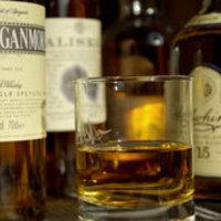 Egyszerű máltai whisky