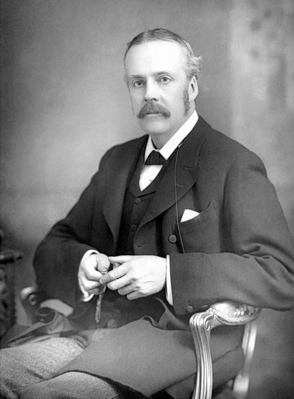 arthur-james-balfour-1890.jpg