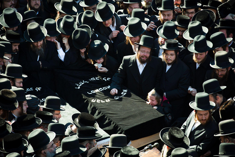 A zsidóságban is fekete a gyász színe?