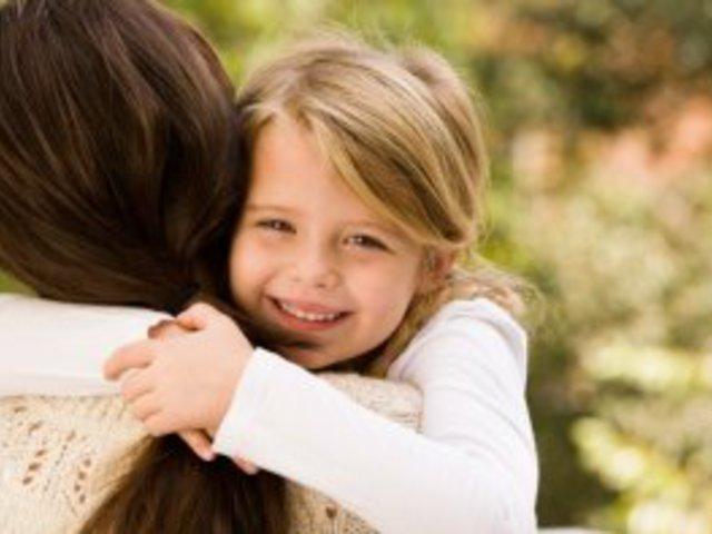 Gyermeki ölelés..... mert Te vagy a minden....