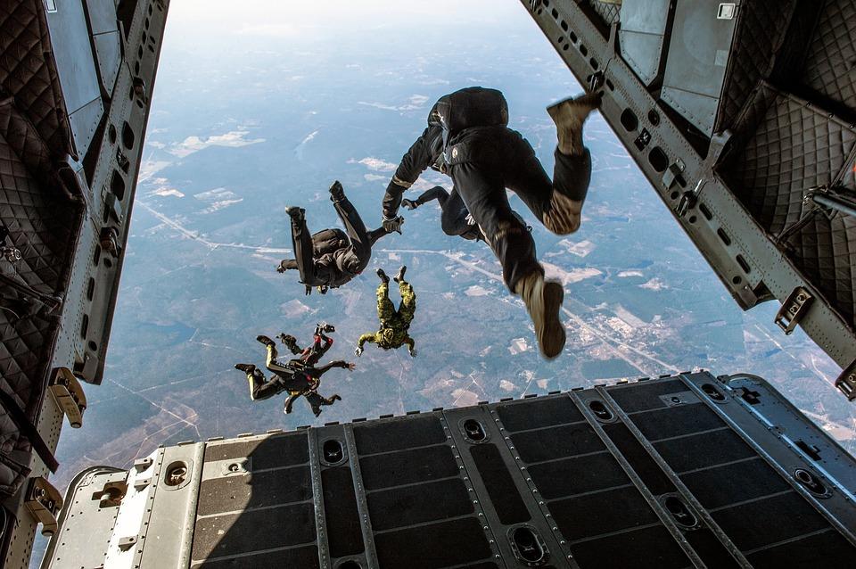 parachute-1242426_960_720.jpg