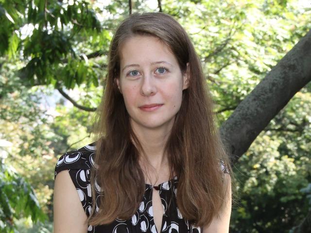 Gyökerek és szárnyak: beszélgetés Szabó Elvira pszichológus-újságíróval