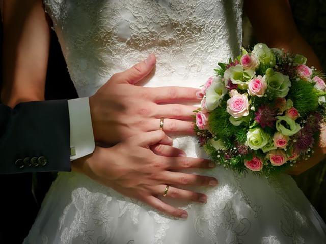Házasodik a gyerekünk