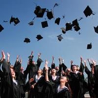 Nem a diplomán múlik a felnőtté válás