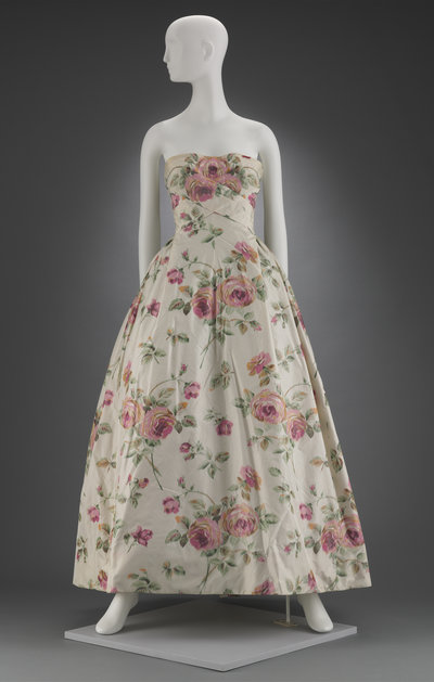 08-dress-christian-dior_custom-868c0c391574197122f76b448869b64e6d9835b7-s400-c85.jpg