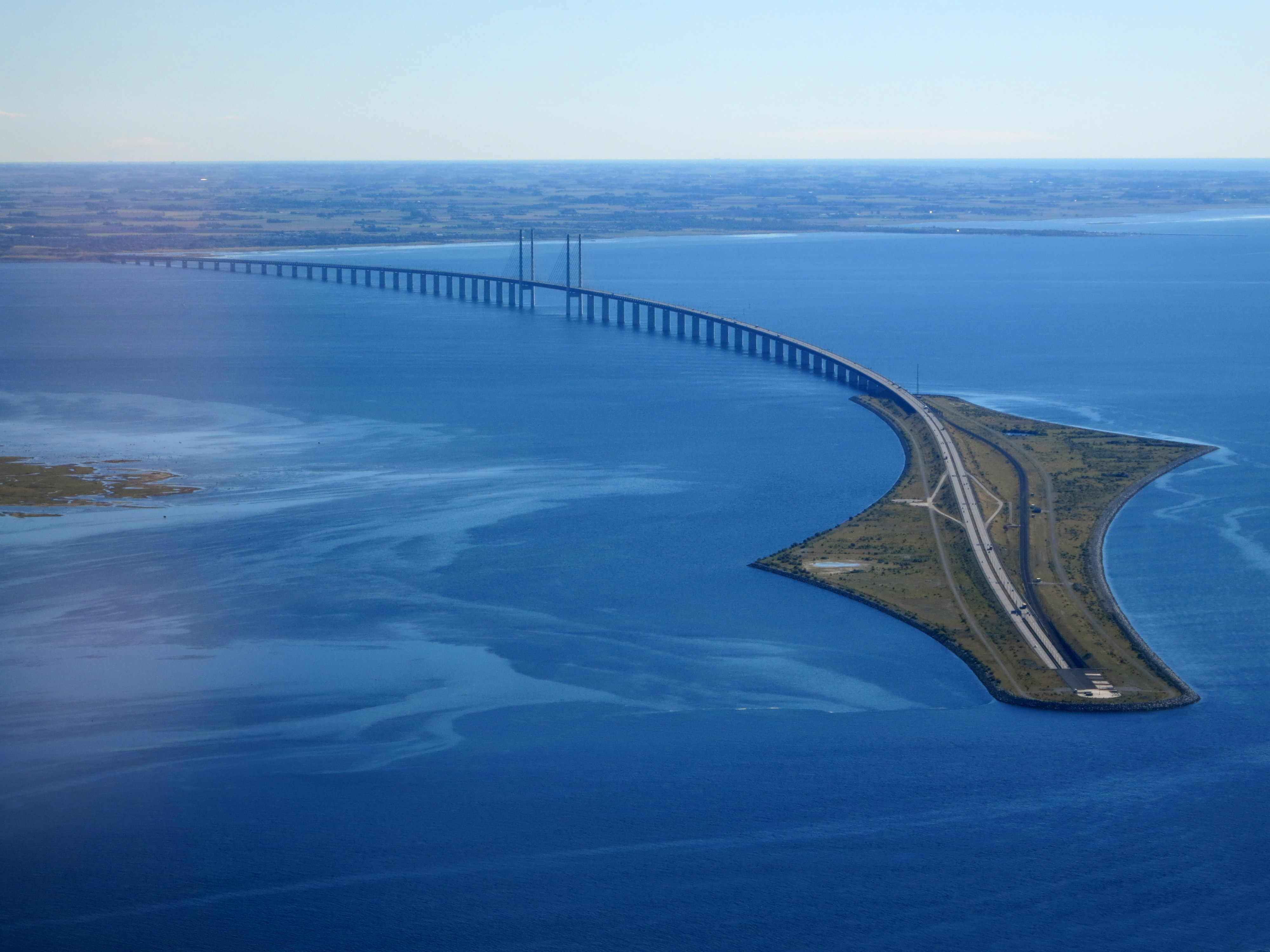 _resund_bridge_from_the_air_in_september_2015.jpg