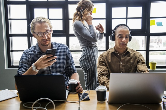 Hogyan teremthető meg az ideális munkahelyi légkör?