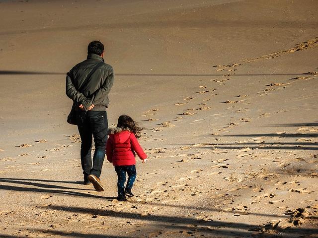 beach-1326656_640.jpg