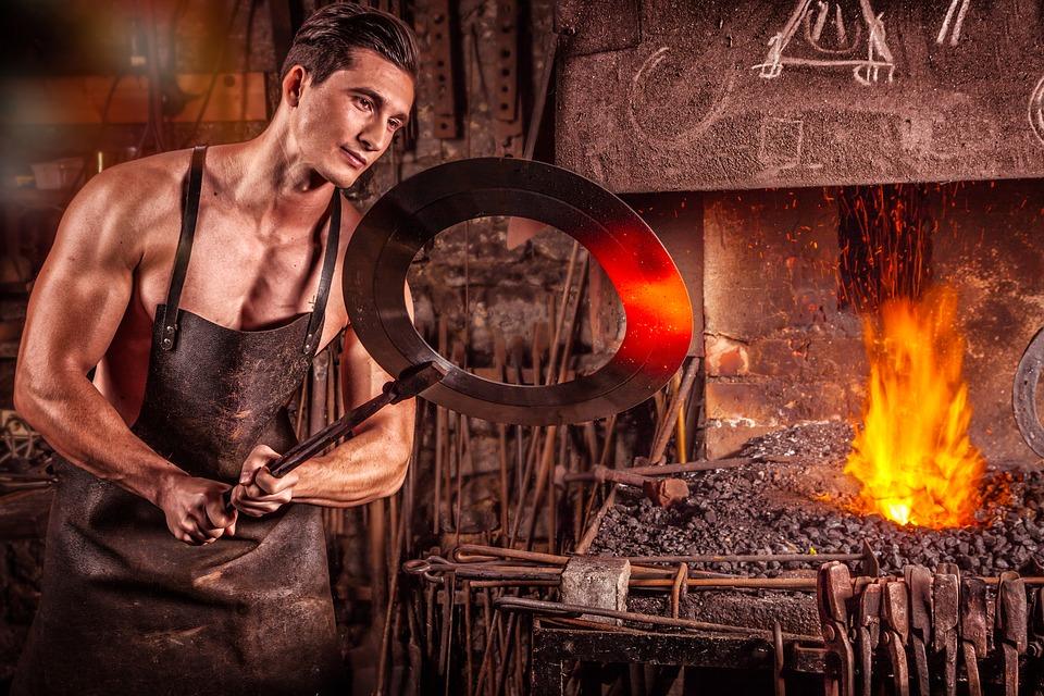 blacksmith-2740128_960_720.jpg