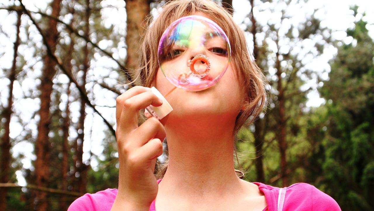 blow-bubbles-711808_1280.jpg