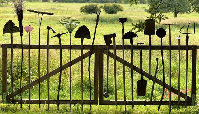 gardening-tools-1478547_640.jpg