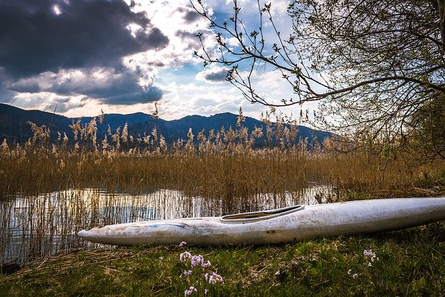 lake-5038883_640.jpg