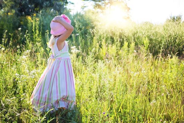 little-girl-2516582_640.jpg