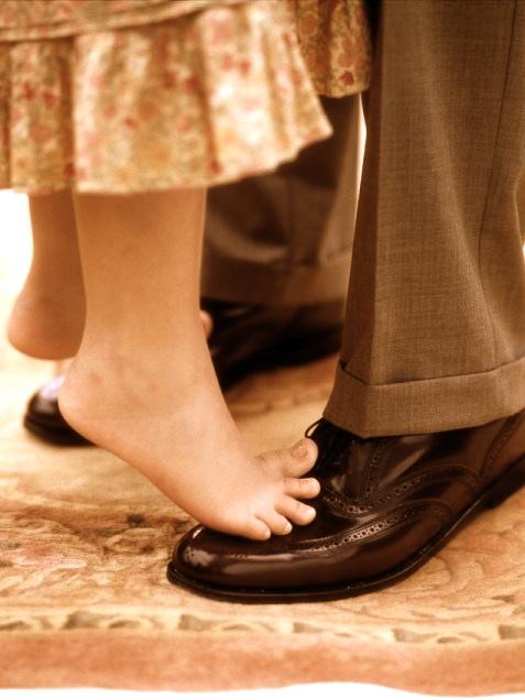 man-child-feet-dance-645.jpg