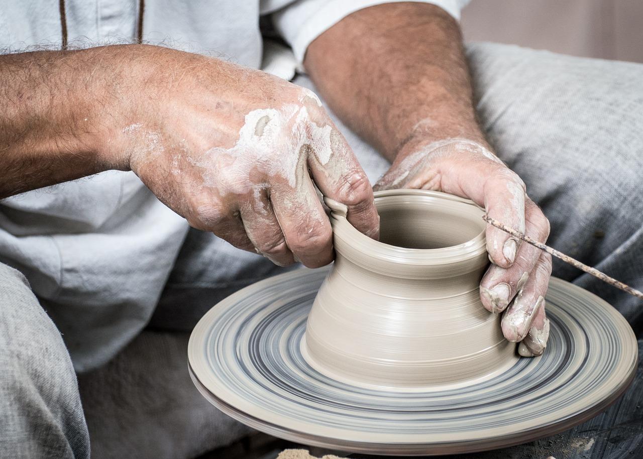 potter-1139047_1280.jpg