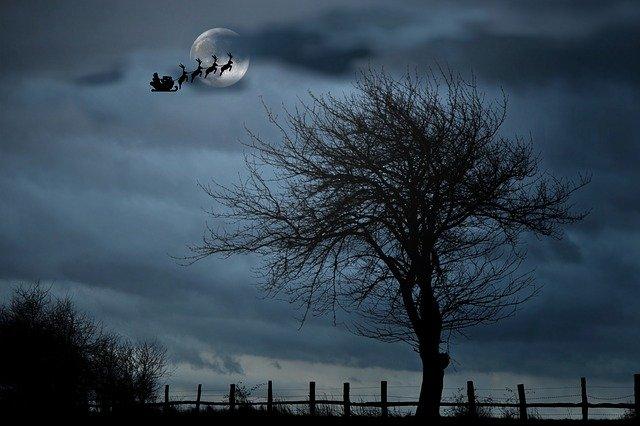 santa-with-sleigh-1032559_640.jpg