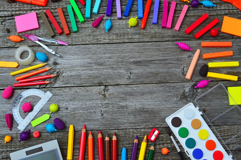 school-tools-3596680_960_720.jpg