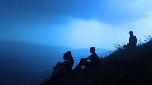 silhouette-people-1209722_340.jpg