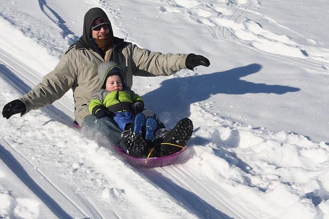 sledding-1431789_640.jpg