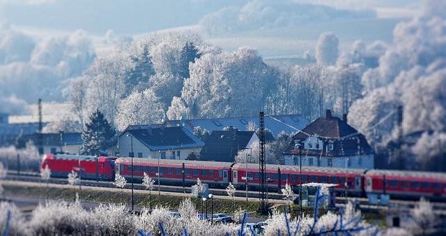 train-2947086_640.jpg
