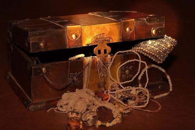 treasure-chest-619762_640.jpg