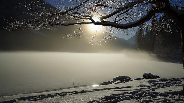 winter-2304231_640.jpg