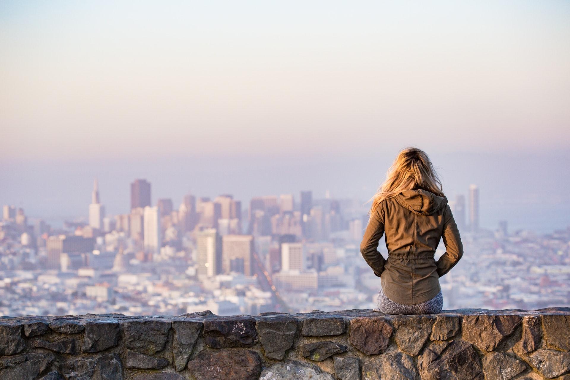 woman_city.jpeg