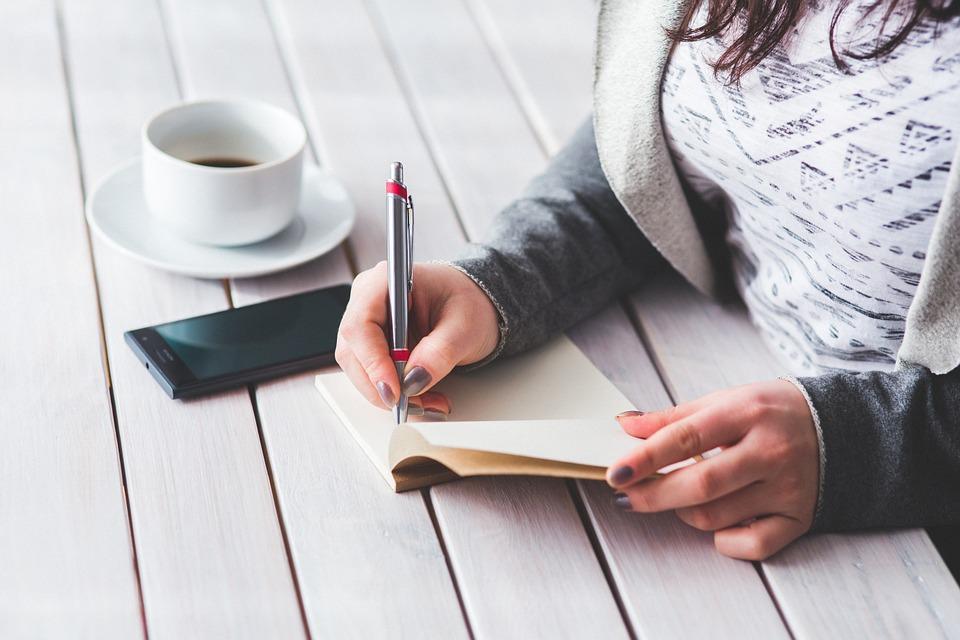 woman_writing.jpg