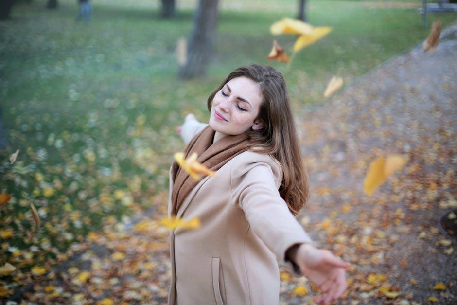 womand_wind_autumn.jpeg