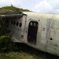 Egy elhagyatott trópusi reptér