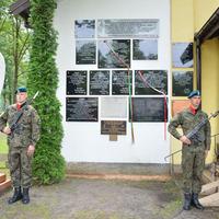 Emléktábla a varsói felkelés magyarjainak