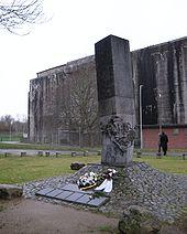 170px-mahnmal-u-boot-bunker-valentin-01.jpg