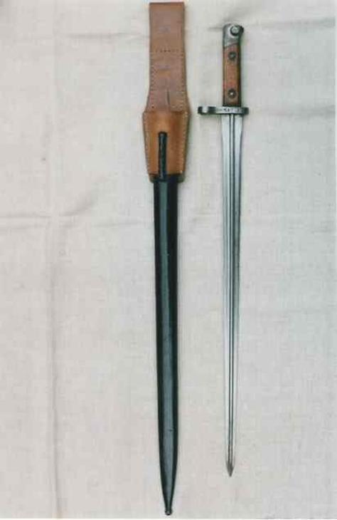 10_szurony_bayonet.jpg