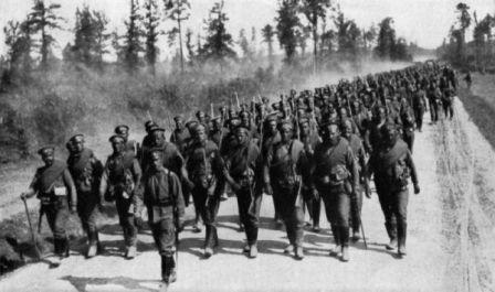 800px-russian_troops_ngm-v31-p372.jpg