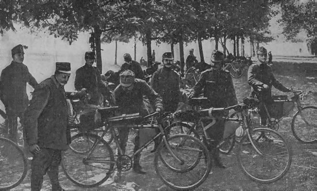 ah_hmg_cyclists.JPG